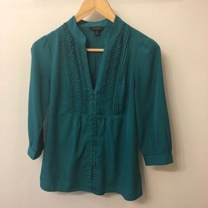 Banana Republic 3/4 Sleeve Button Up Blouse